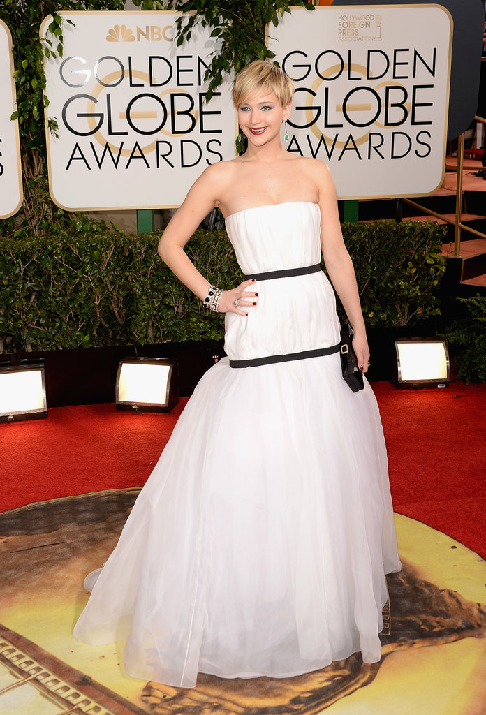 Jennifer-Lawrence-looked-stunning-white-Dior-gown