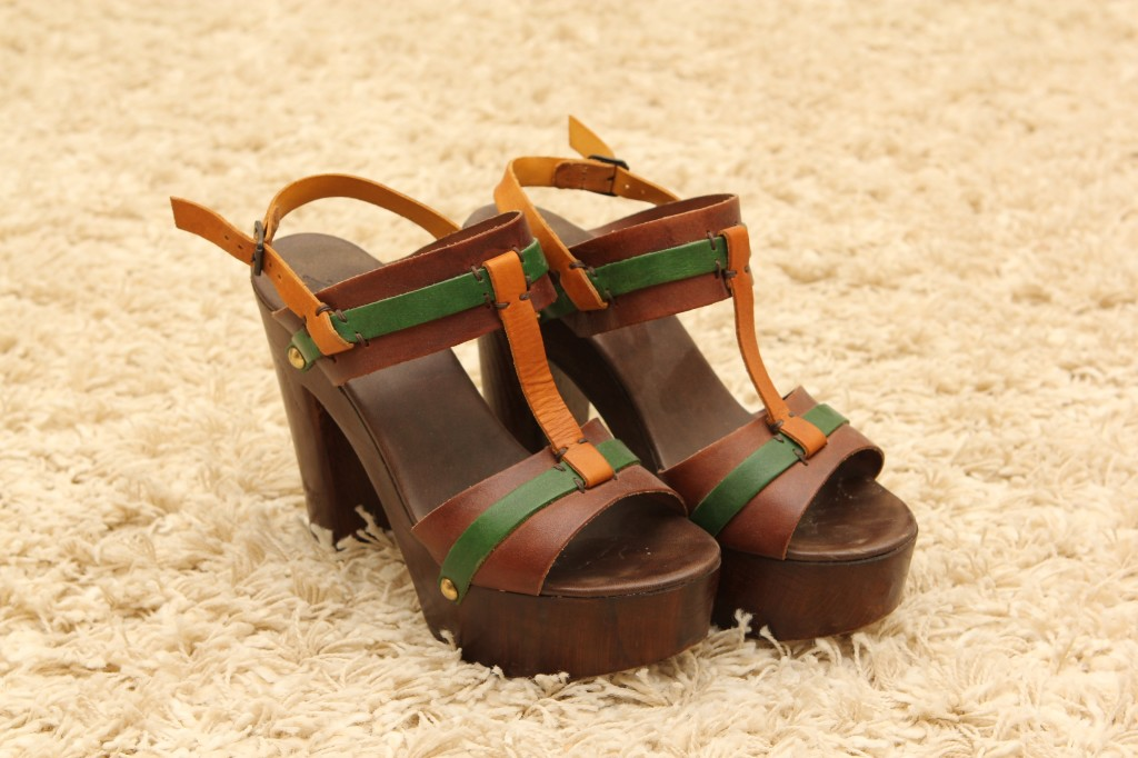 Sandale - 250 lei